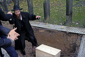Jewish reburial
